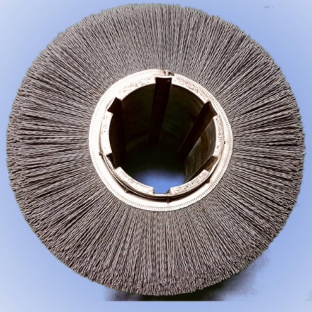 cylinrical brush with abrasive filaments